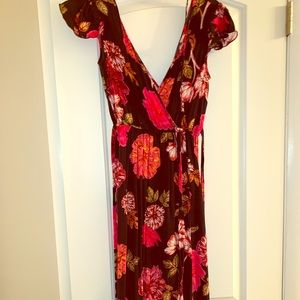 RED AND BLACK FORAL MAXI/WRAP DRESS